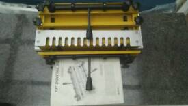 Dovetail jig with instructions