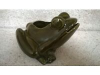 Ceramic frog with open top section for storage - good condition approx. 12cm high x 18cm wide