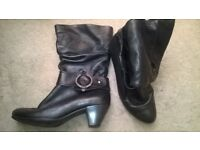 WOMANS GABOR SIZE 4 BOOTS