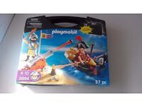 Playmobil Pirate Take Along Case with Boat, Cannon and Pirates - set 5894