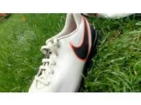 Nike tiempo ledgend football boots