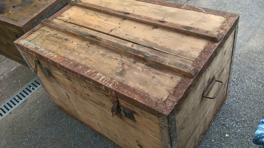 large wooden trunkin Crediton, DevonGumtree - A Large wooden trunk for restoration, needs new hinges and some tlc