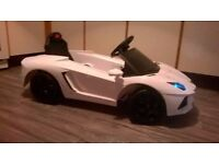 KIDS 'LAMBORGHINI' ELECTRIC RIDE-ON CAR, GREAT FUN FOR THE KIDS! FOR AGES 3-8 YEARS, TEL.07803366789