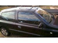 renault clio 1.5 diesel in need of repair has 11 month mot good tyres offers