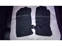 mens winter gloves new from matalan one size excellent condition lining 100% polyester