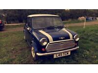 Mini Cooper 1300cc blue