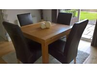 OAK DINNING ROOM TABLE With FOUR LEATHER CHAIRS