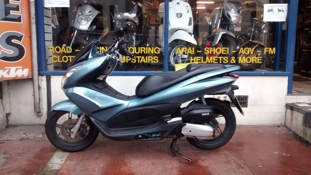 honda pcx 125 scooter for sale yr 2014 new mot and 3. Black Bedroom Furniture Sets. Home Design Ideas