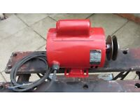 GEC ELECTRIC MOTOR WITH PULLEY 240V