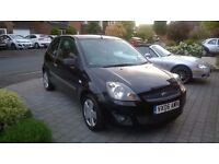 FORD FIESTA 1.4 ZETEC CLIMATE. LOVELY CAR. FIRST TO SEE WILL BUY.