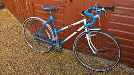 """Raleigh Riva Ladies road racing bike 20"""" frame 700c wheels"""