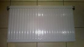 Double radiator + mounting brackets (111cm x 59cm x 6cm)