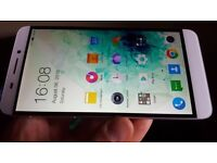 Octacore smartphone 32Gigs with 3Gigs of RAM 13MPx sony camera with OIS and 4k recording