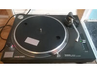 Technics 1210 MK 2 Turntable