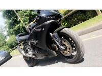 Yamaha R6 in Limited Edition Black