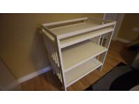 Changing table unit