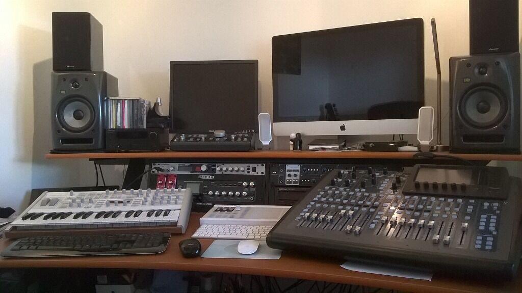 quiklok z600 music workstation music production desk - Music Production Desk