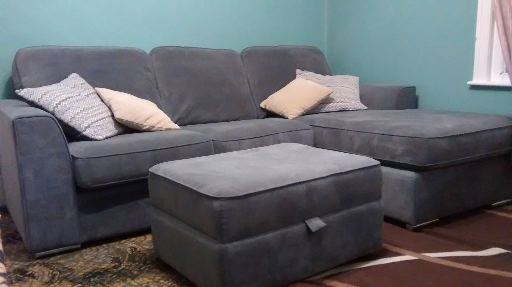 Charmant 3 Seater Sofa With An Adjustable Chaise Extension And A Footrest With  Storage