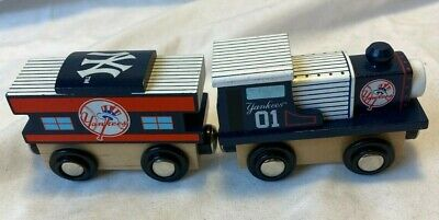 New York Yankees Wooden Toy Train & Caboose MLB Wood Christmas Kid Boys Gift Set