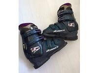 Nordica Ladies Ski Boots NXT 67 with Bag