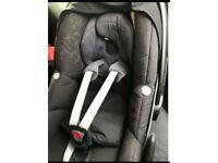 Maxi cosy pebble car seat with Isofix base