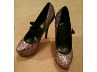Brand New - Ladies Carvela Multi-coloured Sparkle Court shoe with strap - size 40