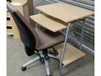 For sale PC desk +chair In great condition 80x40x74