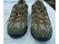 Casual hiking shoe