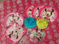 Minnie Mouse party set 8 paper plates and napkins 1 tablecloth 5 decorations