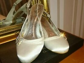 Ivory sorrento shoes size 5, 6 and 7