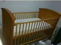 *** COT BED / TODDLER BED FOR SALE ***