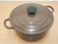 Brown hot pot