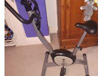 Dynamic exercise bike