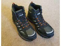 New Trojan safety boots. Men's size 8. Steel toe cap S1-P SRC