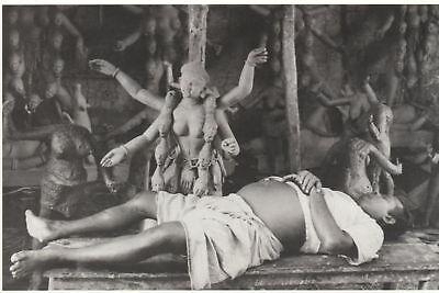 Ansichtskarte: Indien: Göttin Kali und Pilger, Calcutta, 1956, Reprint
