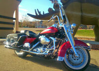 1999 road king loaded with Harley accessories