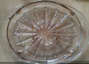 Assiette en verre ancien