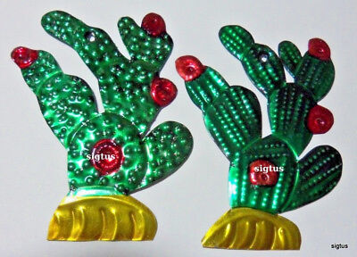 Mexican Hand Painted Tin Prickly Pear Cactus Ornament~2 Choices in Bloom! ()