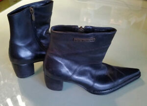 Womens boots.  Harley Davidson  Size 6 to 7 1/2 or euro 37.5