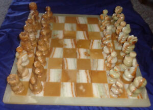 Vintage Authentic Hand Carved Mexican Onyx Stone Chess Game Set