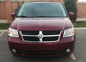2010 Dodge Grand Caravan SXT Accident Free! Finance any credit!