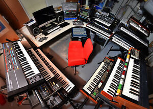 Looking for synths, effect pedals, Organs, New, Used, Broken Kitchener / Waterloo Kitchener Area image 1