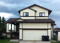 Large 1861 sq ft 1.5 Storey Home in Sundre