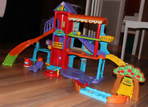 INTERACTIVE HOUSE SLIDE 1-3 YEAR OLD VTECH HAPPY PAWS PLAYLAND