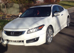 2 Door V6 Honda Accord Manual with all the bells and whistles