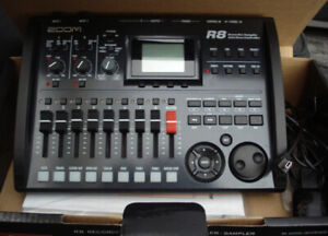 Zoom R8 Multi Track Portable Digital Recording Studio
