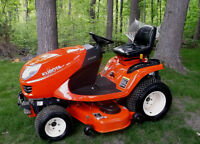 KUBOTA GR 2000 WITH GR 2707 BLOWER ** ONLY 180 HOURS *