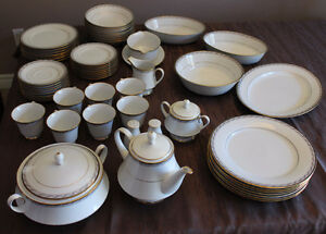 Fine China Dinning set - Legendary by Noritake Knightsbridge