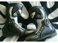 Axo racing line bike boots