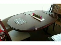 Extending mahognay table with 4 chairs